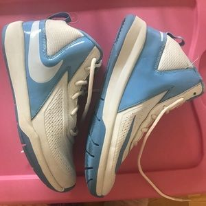 Nike Youth grade school sneaker